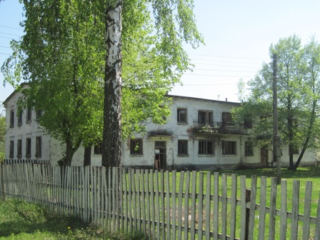 Один из множества заброшенных домов ПГТ Дружба
