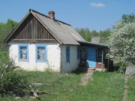 Заброшенный дом, с.Дуброва Олевская. Такой пейзаж повсюду