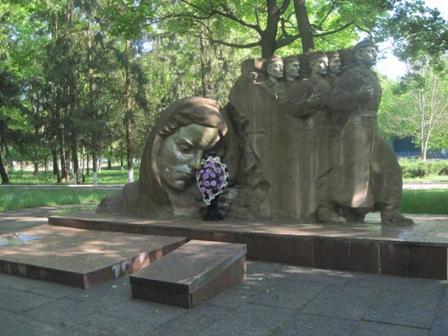 пгт. Народычи - памятник воинам ВОВ
